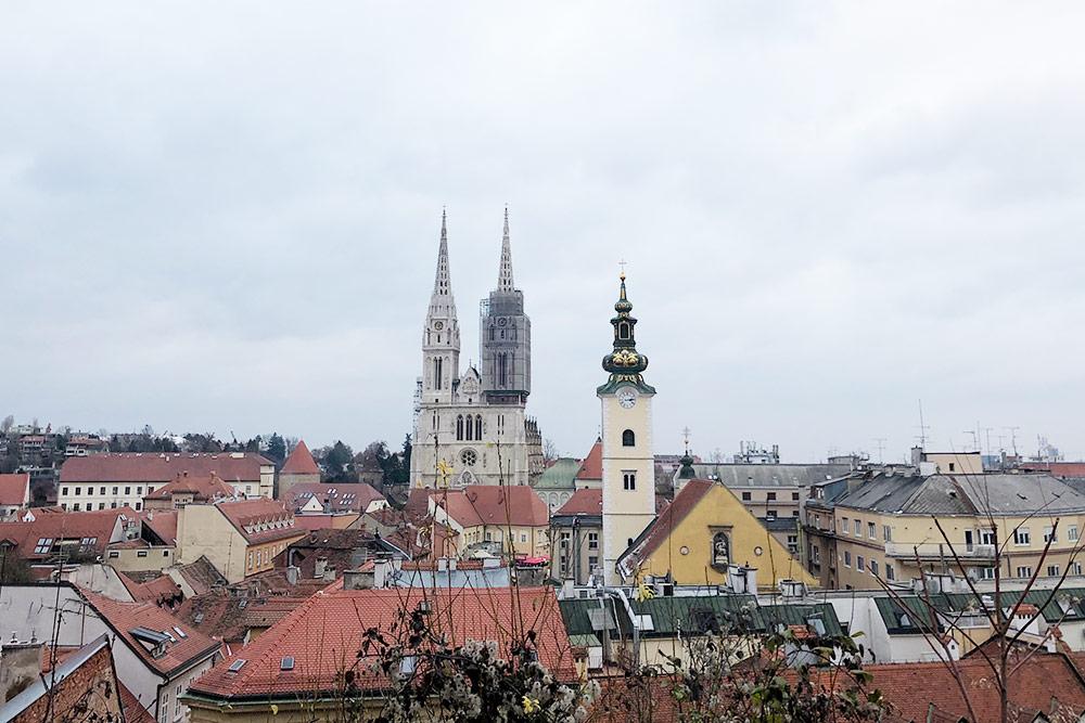 С обзорной площадки в Верхнем городе открывается панорамный вид на весь Загреб