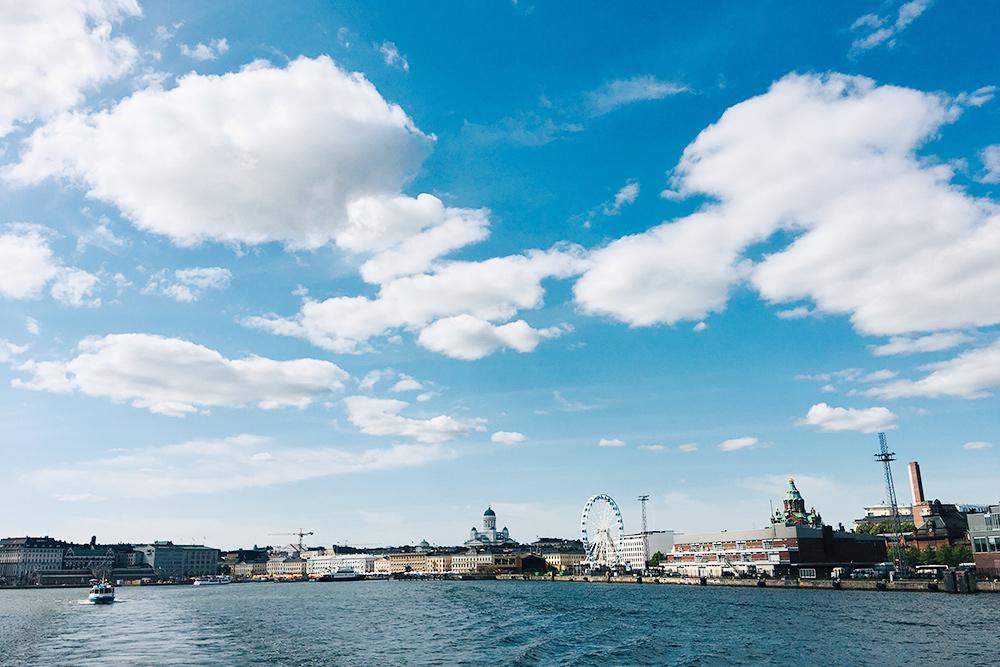 В Хельсинки от Рыночной площади ходит паром на остров Суоменлинна, который есть в списке объектов Юнеско