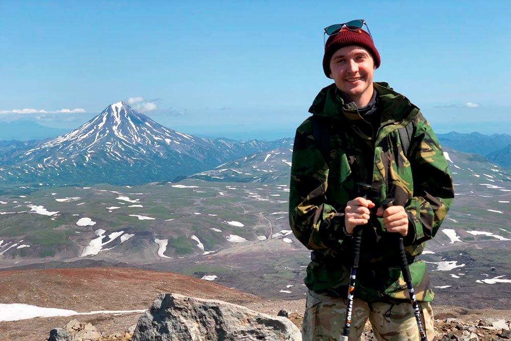 Я часто путешествую. Например, поднимался на Эльбрус и Килиманджаро и гулял у подножия вулкана Эрта Але в Эфиопии. Но Камчатка меня поразила: она не похожа ни на какое другое место
