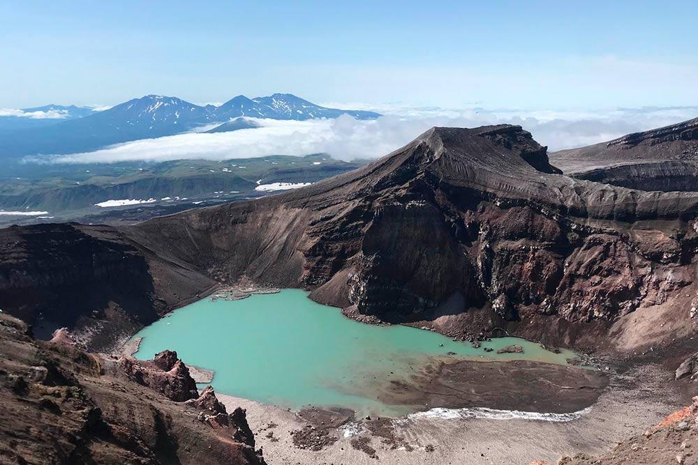 Восточный кратер вулкана Горелого — Голубое озеро