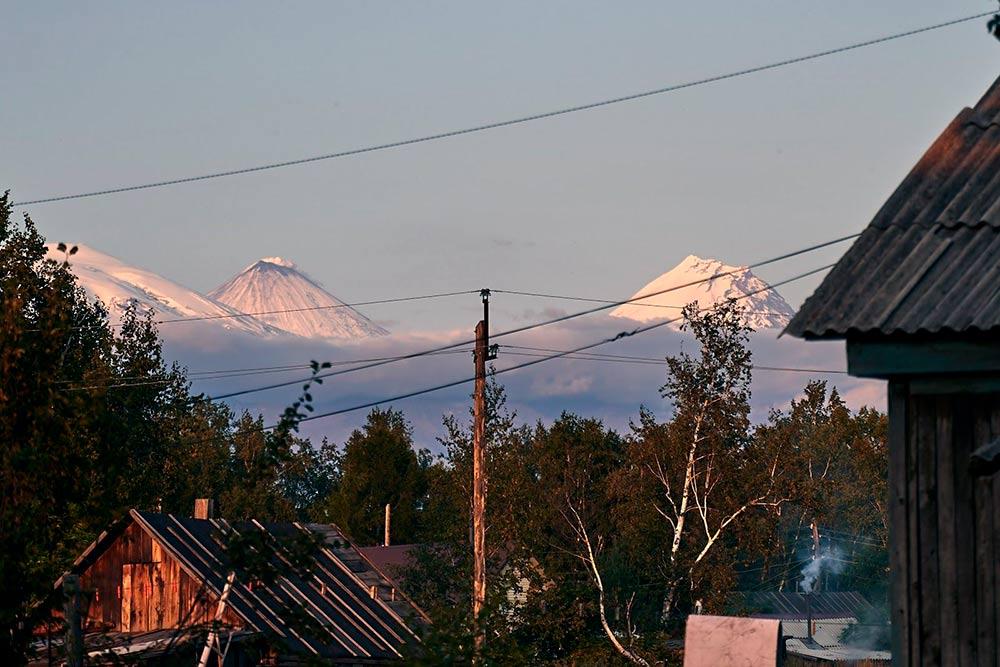 Вид на вулкан Камень и Ключевскую сопку. Источник: Эрнест Леонидов