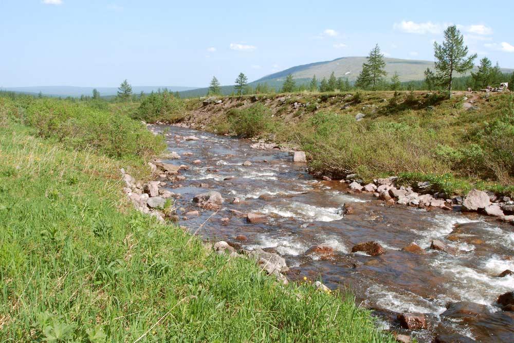 Уральские горы поражают красотой и чистотой природы. Здесь можно без опаски пить воду из рек и ручьев