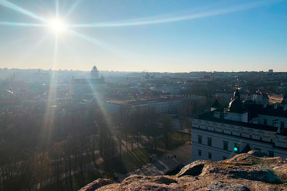 Вид сверху на дворец великих князей литовских и старый город Вильнюса