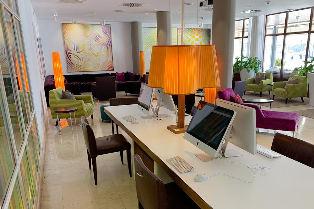 Компьютеры в одном из ресторанов