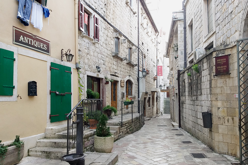 В старом городе в Которе чисто и уютно