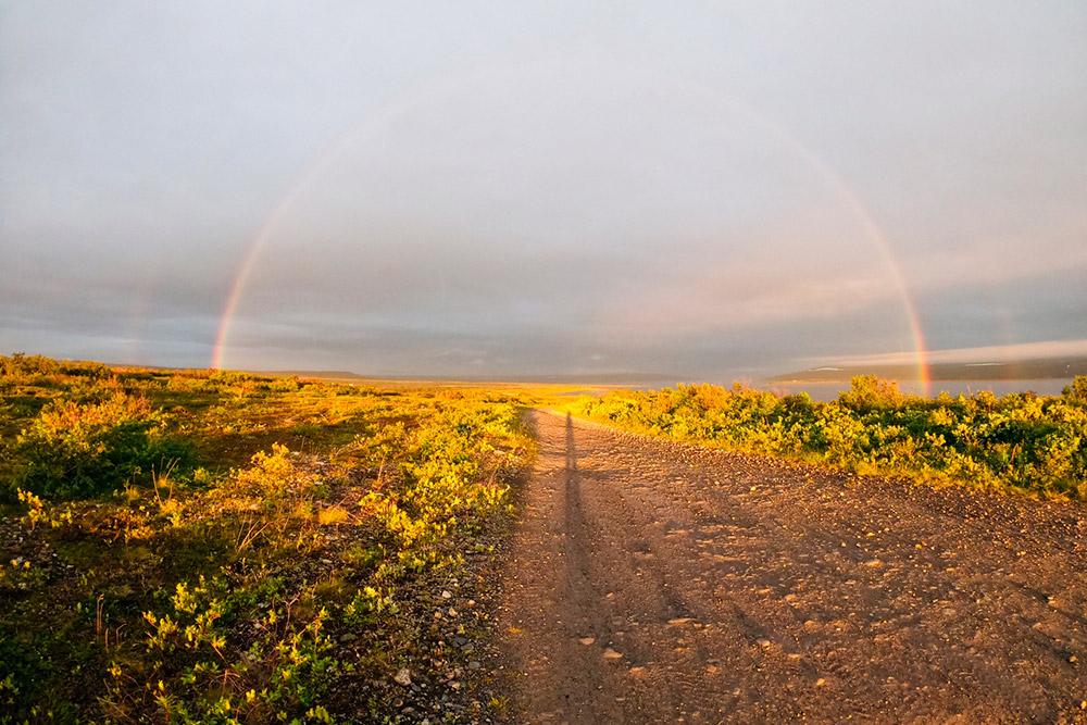"""На турбазе «Бухта """"Большое озерко""""» мне посчастливилось в полночь увидеть радугу"""