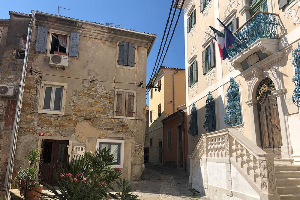 Улицы Изолы по-итальянски уютные и по-словенски чистые