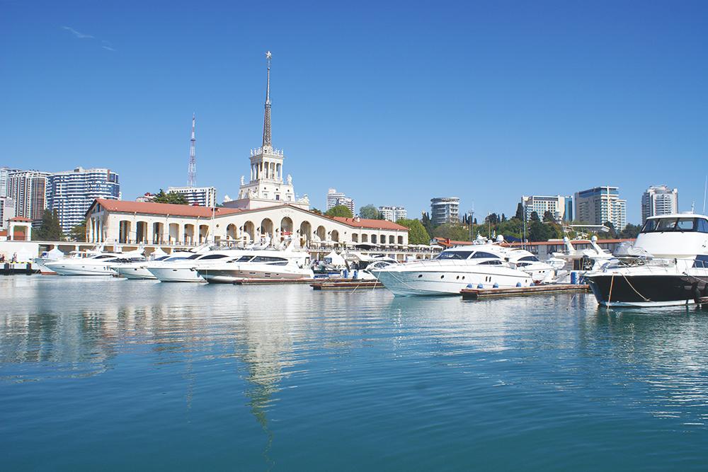 Морской порт Сочи. Здание вокзала — памятник архитектуры федерального значения