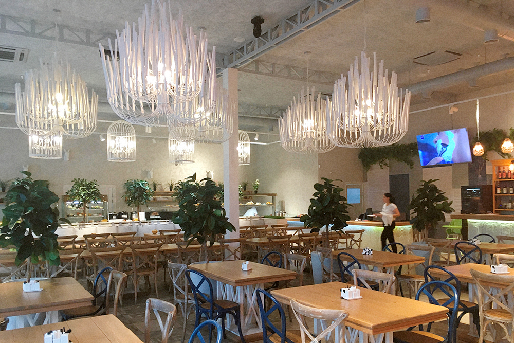 Многие столовые выглядят как стильные кафе