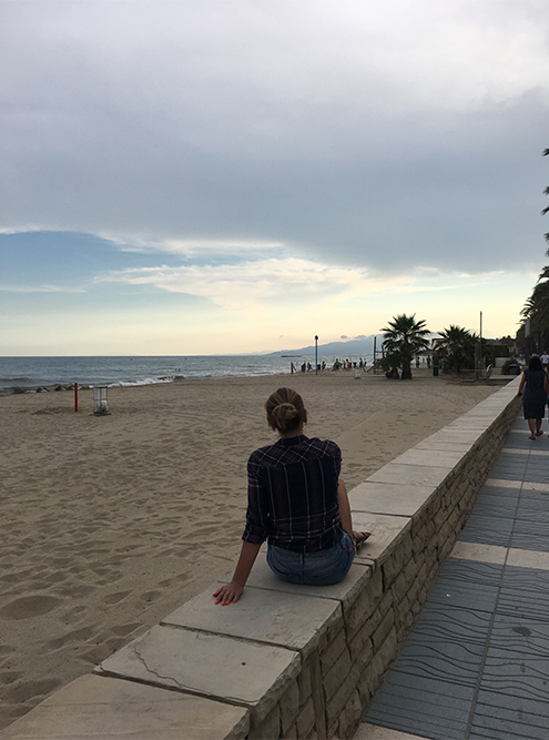 Пляж в Салоу большой. Там не чувствуешь себя селедкой в банке. А вечером можно пройтись по набережной и полюбоваться закатом