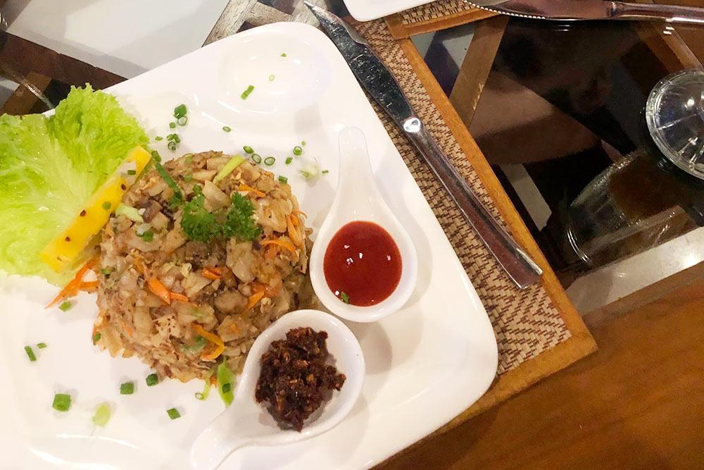 Местные блюда туристам подают с кетчупом