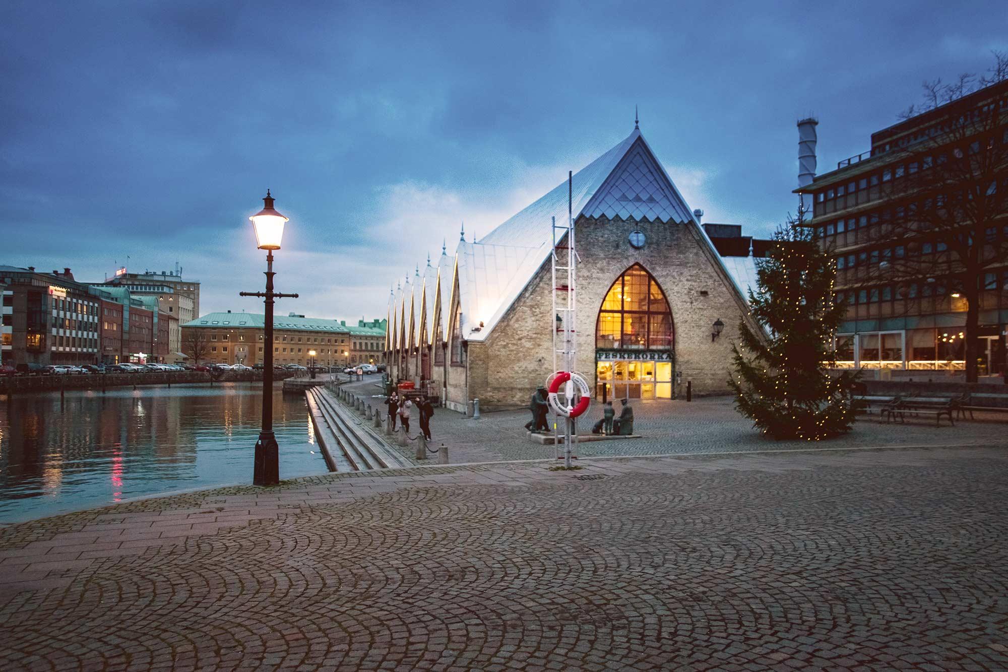 Рыбная церковь Гётеборга — это на самом деле рынок. Он был открыт 1 ноября 1874 года
