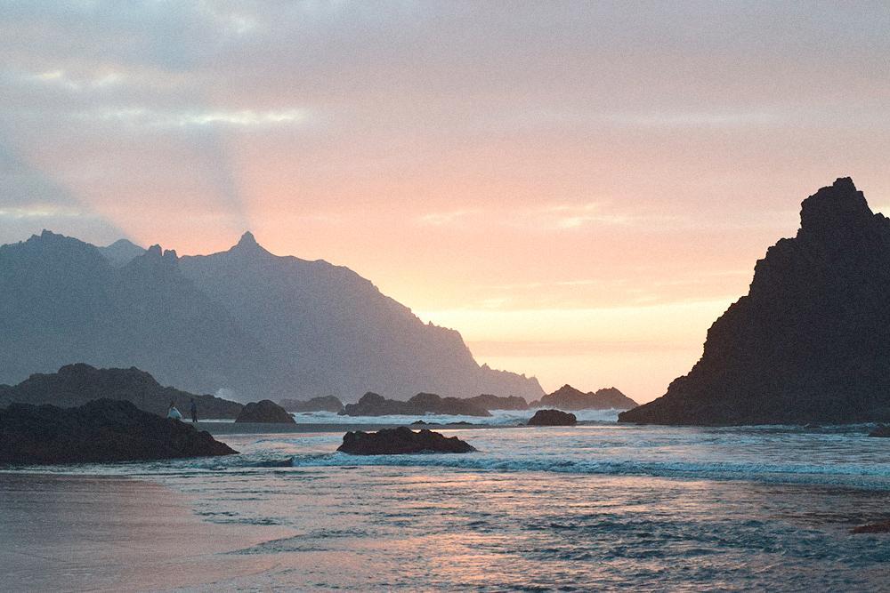 Закат на пляже Бенихо. Романтикам на заметку: это идеальное место, чтобы сделать своей девушке предложение