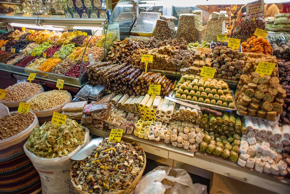 Прилавок с турецкими сладостями. Источник: Casal Partiu / flickr.com