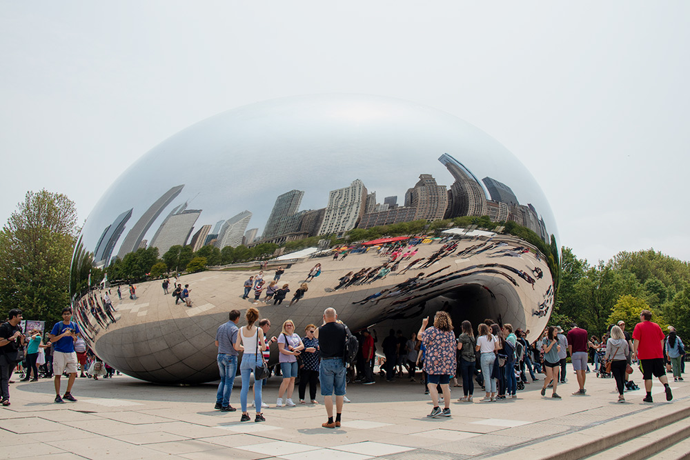 Одна из самых популярных скульптур Америки «Клауд-Гейт» находится в Чикаго. Выглядиткосмически
