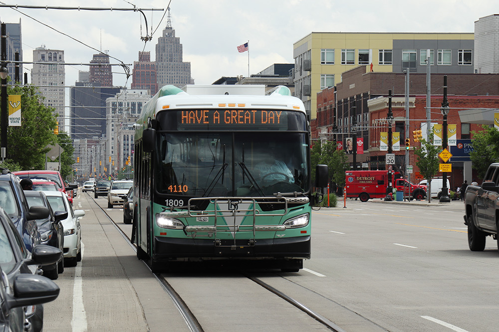 Автобусы в Детройте приветливые, но передвигаться удобнее на машине