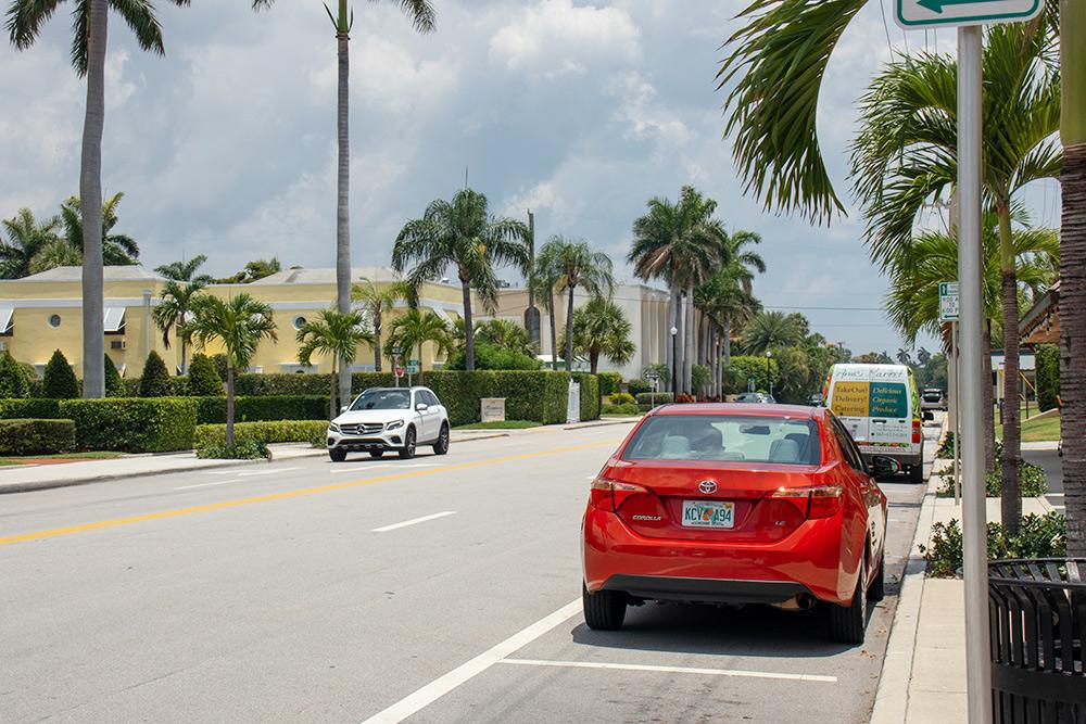 По Флориде мы проехали на Тойоте Королле — новой и чистой машине
