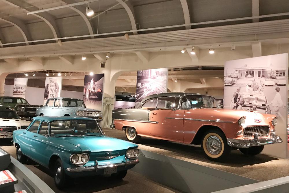 Я советую идти в музей с экскурсией, иначе очень сложно сориентироваться