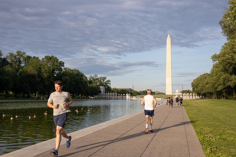 В центре Вашингтона все бегают