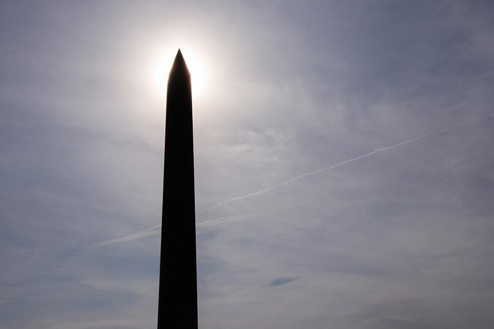 Монумент Вашингтону в столице США. На вершину памятника можно подняться