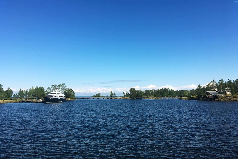 Острова архипелага соединены мостами. Нафото — переход отострова Иоанна Кронштадтского наостров Никольский