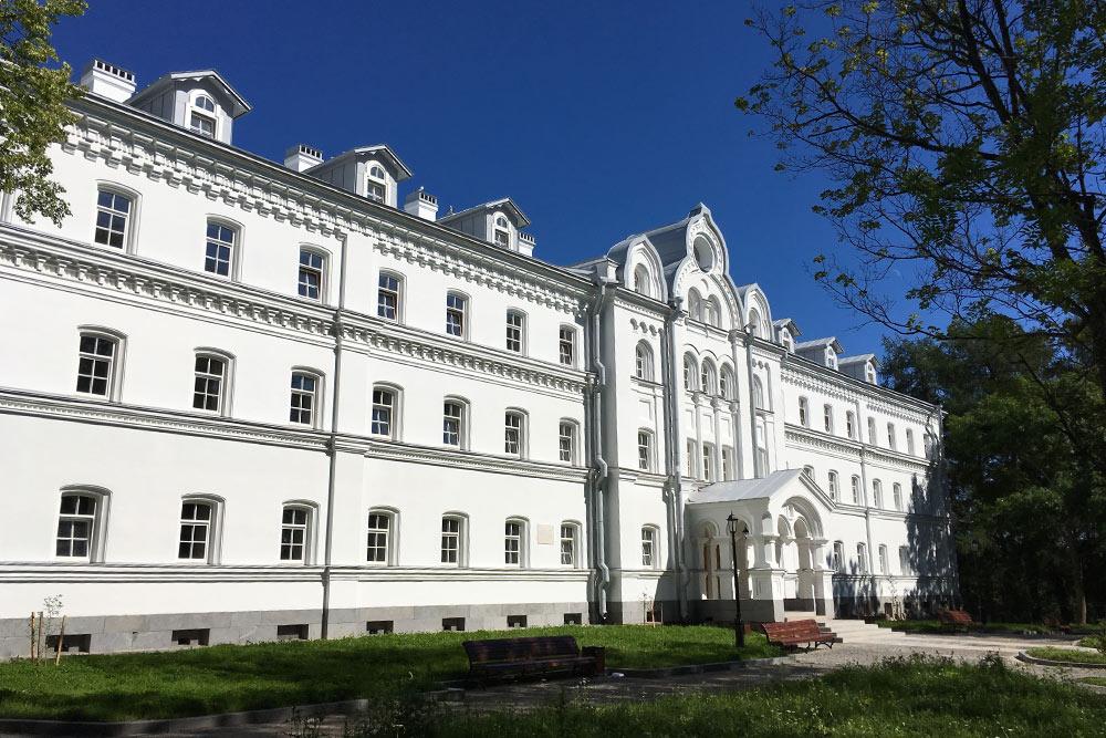 Новая гостиница «Славянская» будет комфортней паломнических домов