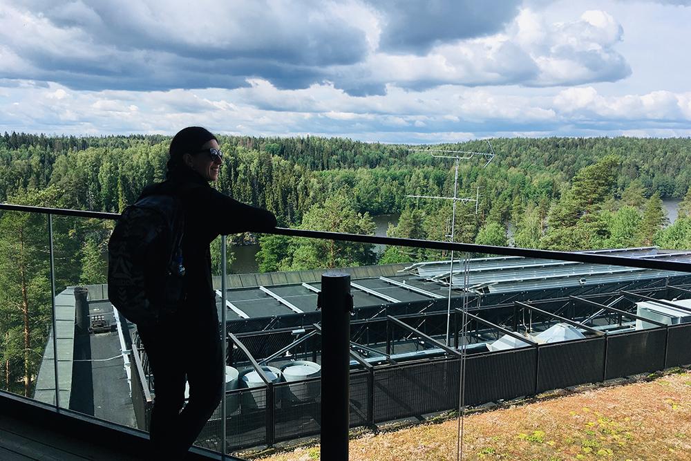 Вид с крыши музея природы «Халтиа» — он расположен на входе в нацпарк «Нууксио» с восточнойстороны