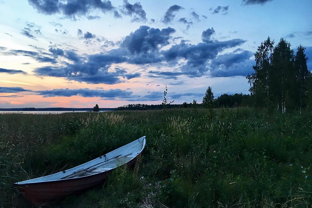 В Финляндии столько лодок, что иногда они просто валяются на берегах озер