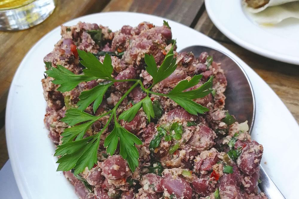 Лобио с грецким орехом. В Грузии едят много мяса, но выбор для вегетарианцев тоже есть
