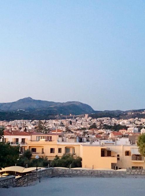 Город Ретимно со смотровой площадки
