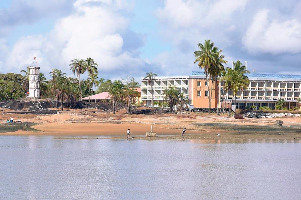 Вид на Куру с моря, отель «Де Рош»