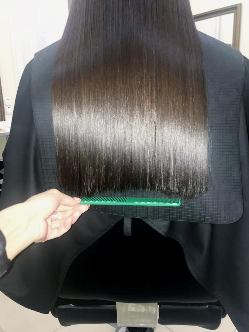 Это мои волосы после того, как их выпрямили на утюг, хотя я всегда стригу их прямым срезом
