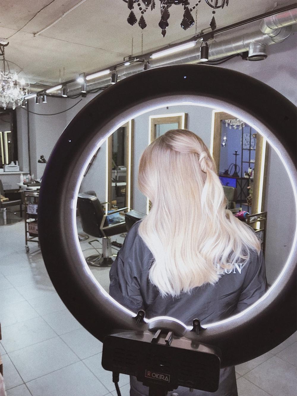 Оказалось, что парикмахеру в салоне необходим свет дляфото