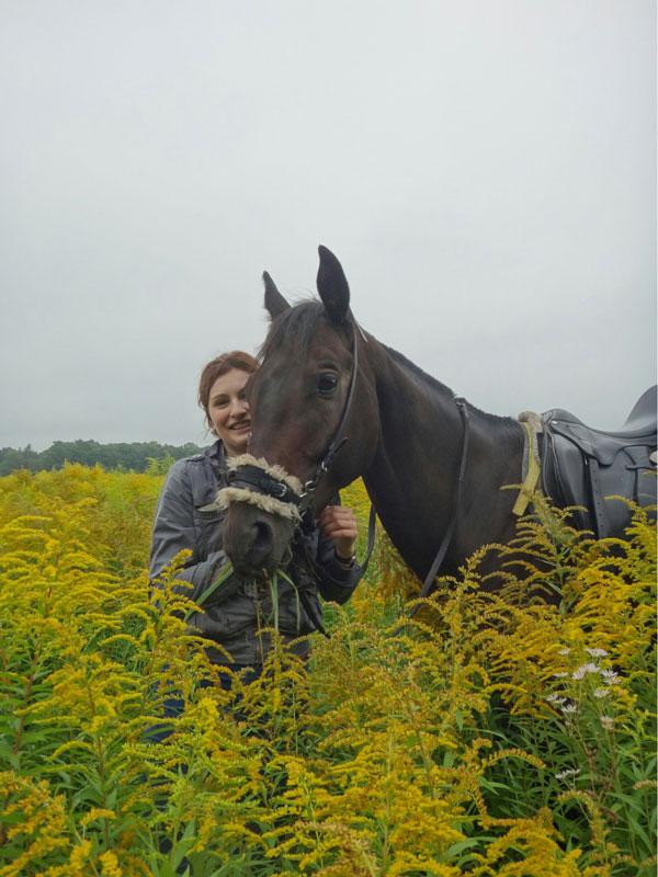 Лошадь с хакаморой. Во рту никакого железа