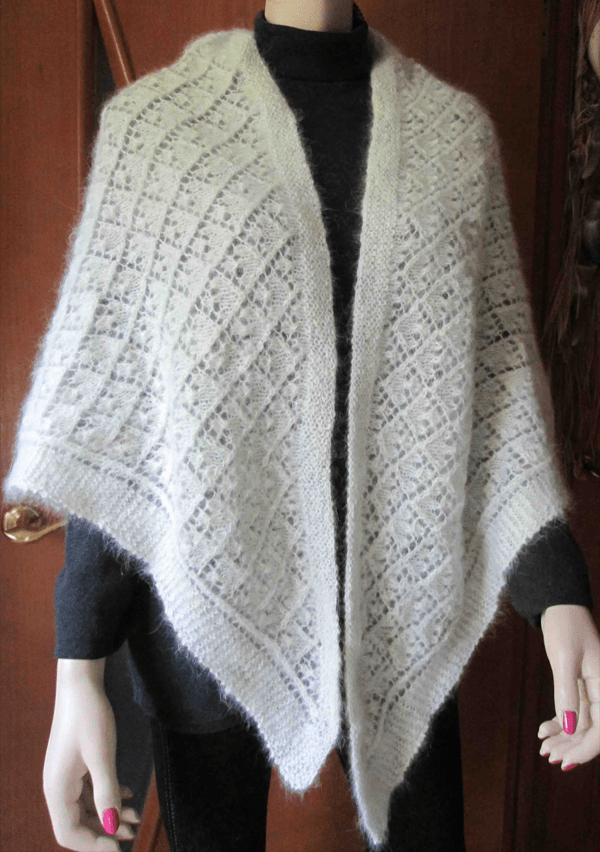 Платок из шерсти кавказской овчарки