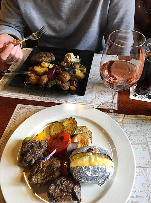 Полноценный ужин надвоих вэтом ресторане стоил 11470Ft