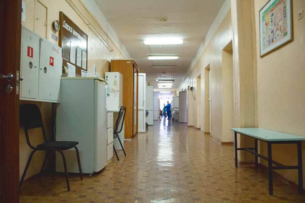 А так общий холодильник стоит в коридоре