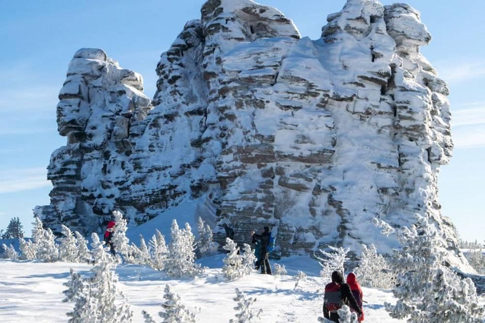 Так выглядят скалы на Кутурчинском Белогорье зимой