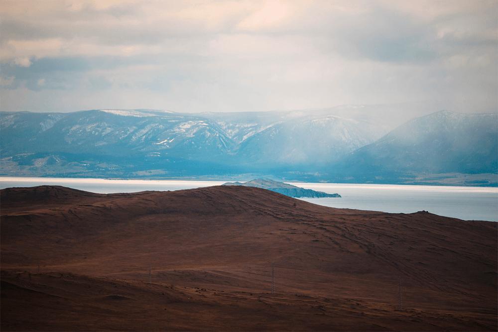Остров Ольхон — одно из самых известных и живописных мест на Байкале