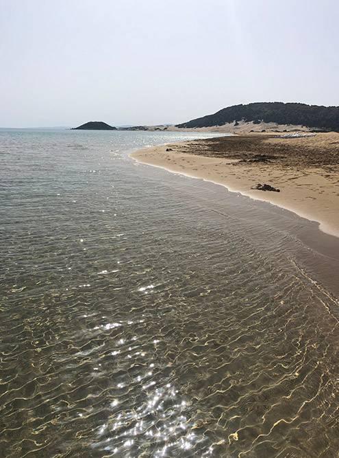 В этой части острова — прозрачная вода и золотой песок