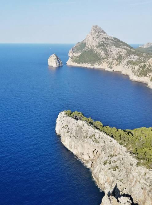 Вид на море с площадки Эс Коломер