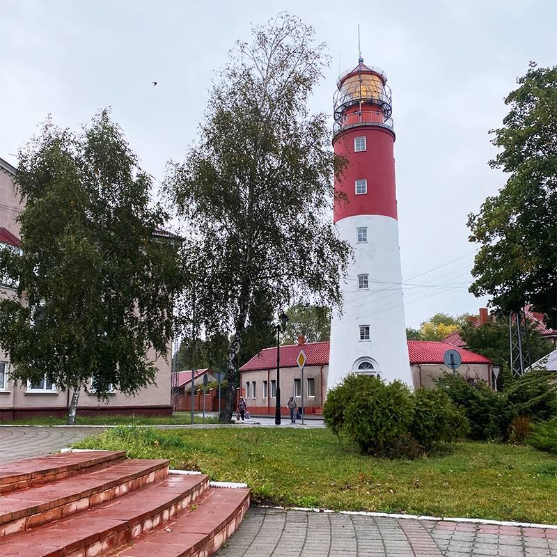 Маяк — самый узнаваемый вид Балтийска. Он изображен на каждой второй открытке из Калининградской области