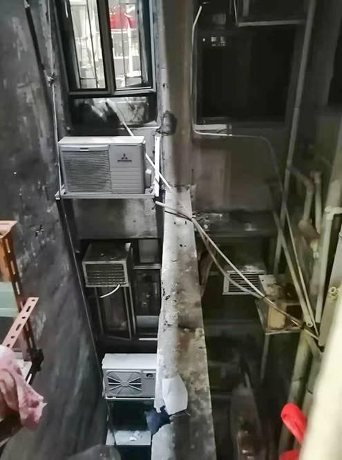 Такой вид открывался из окна хостела в Гонконге
