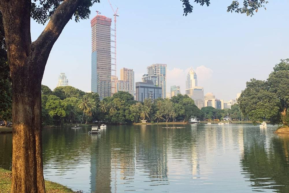 Парк «Люмпини» в центре Бангкока