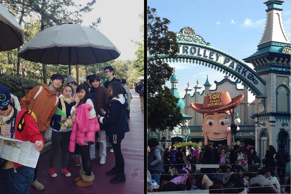 Это мои одноклассники — стоим в очереди на аттракционы в Tokyo Disneysea