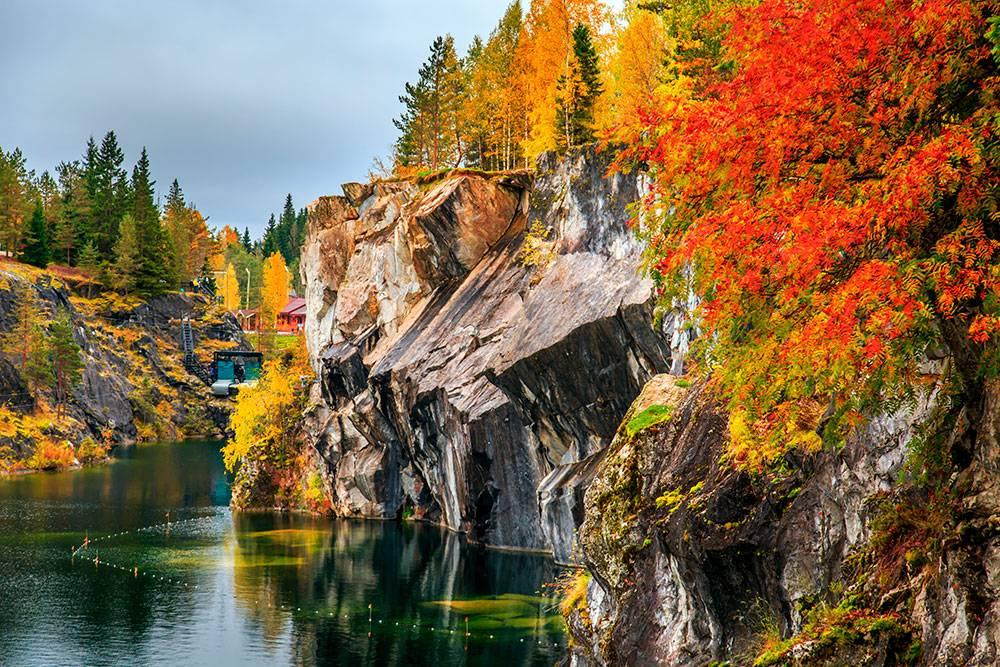 Осенью в парке особенно красиво