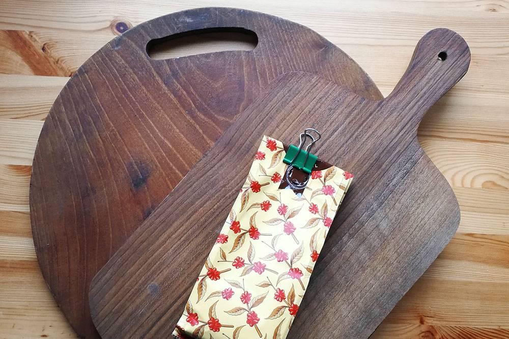 Полезные сувениры из Грузии — две доски из ореха и вкусный кофе