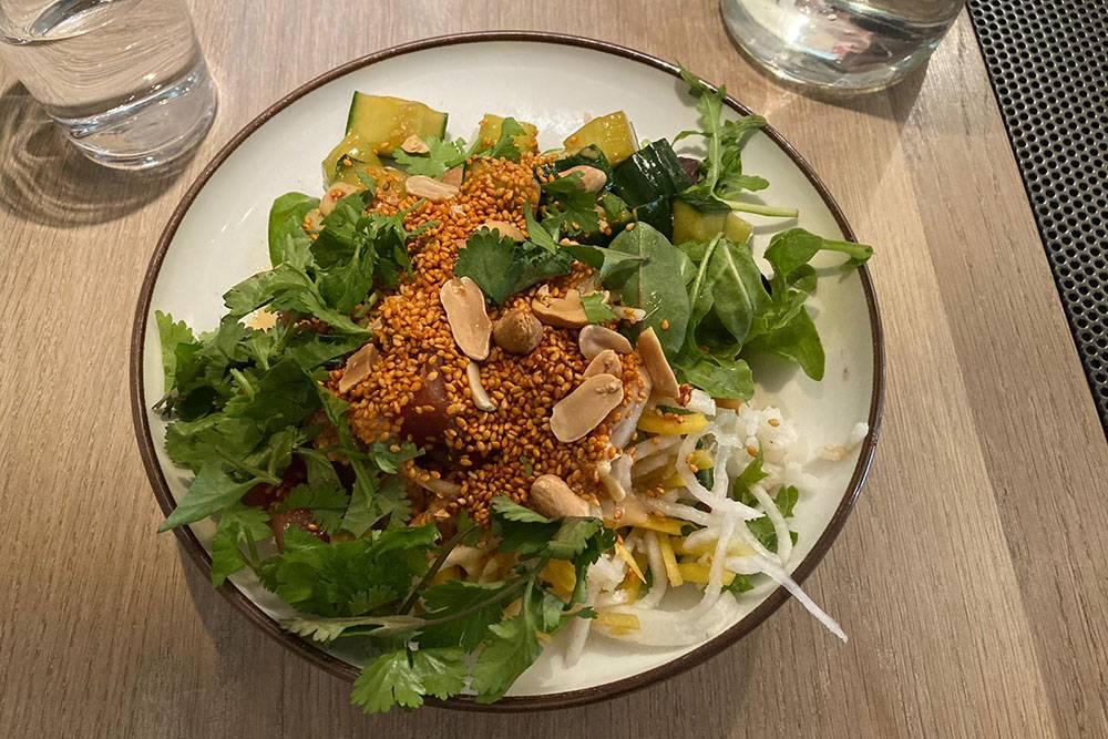 Поке с тунцом в кафе A Bowl — советую это место всем, кто будет в Стокгольме