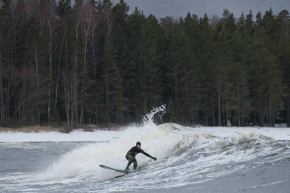 На внешне спокойном Финском заливе во время шторма волны поднимаются до двух метров. Источник: Виктор Вытольский