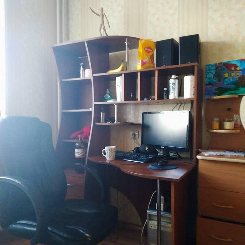 Вот здесь я и работаю, и отдыхаю, и зачастую ем